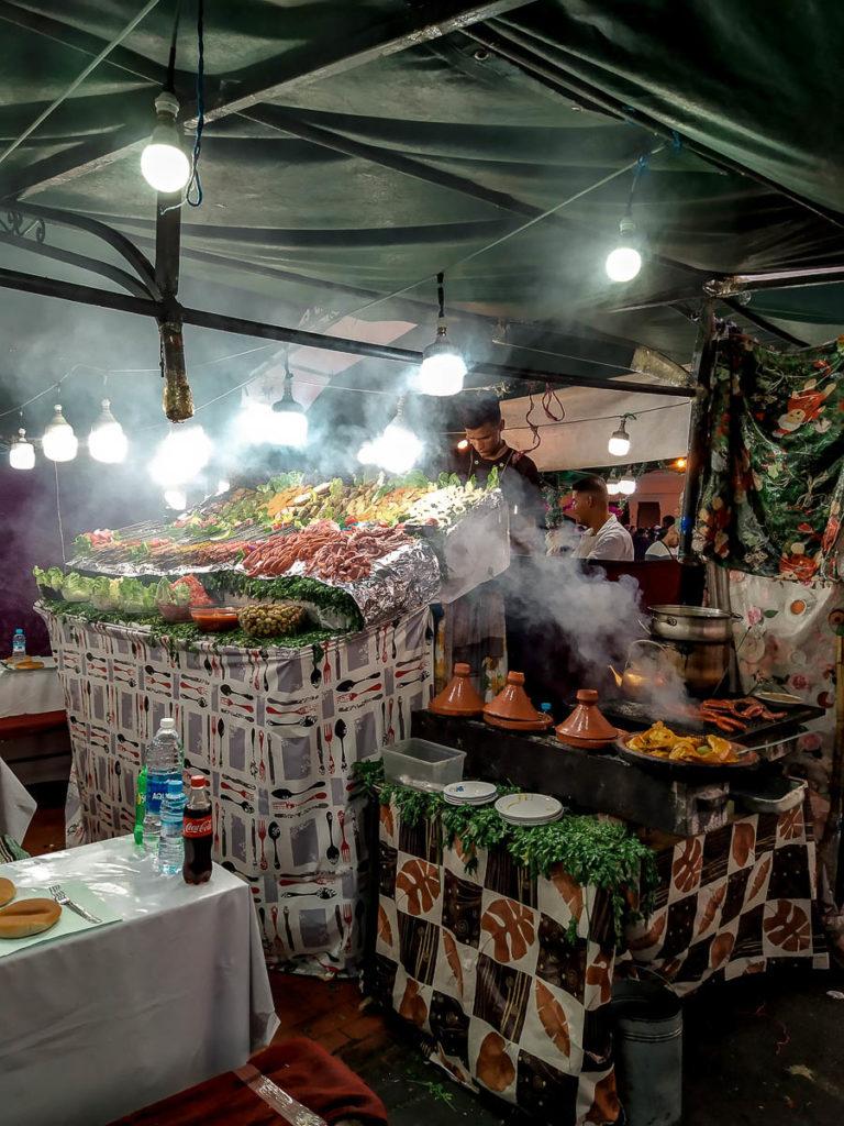 Mangiare a piazza Jema el Fnaa
