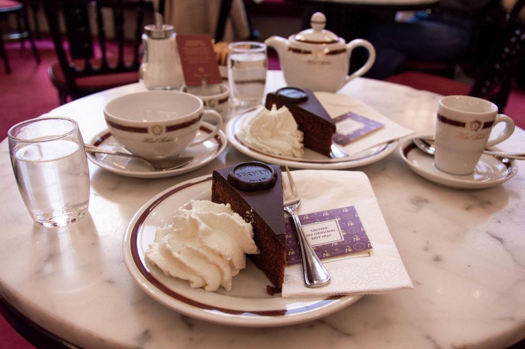 Torta e tè Hotel Sacher di Vienna