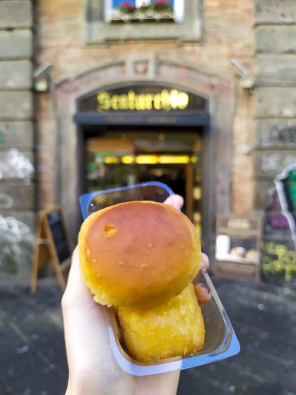 Dove mangiare a Napoli: il babà di Scaturchio