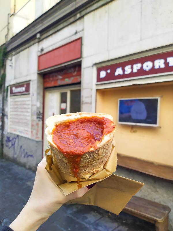 Pane al ragù di Tandem a Napoli