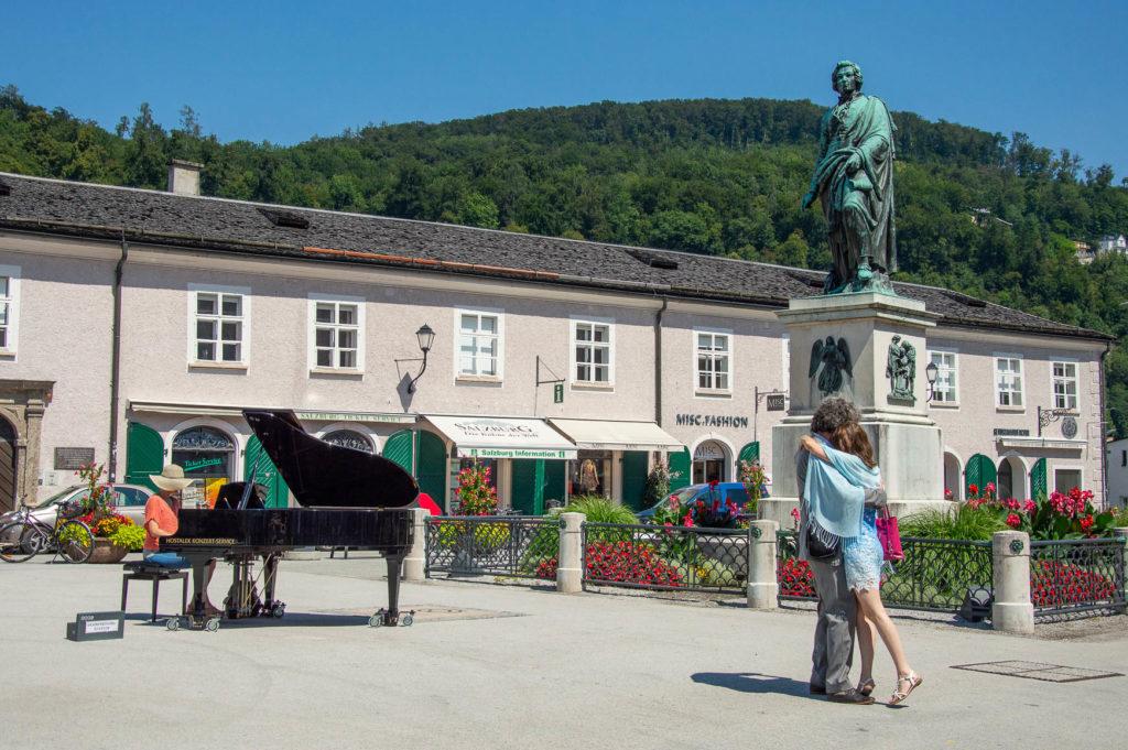 Mozartplatz durente il Salzburg Festspiele