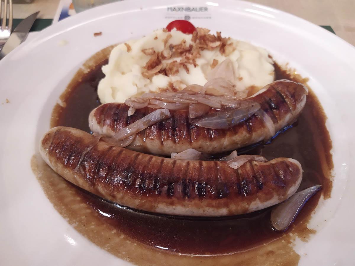 Cosa mangiare a Monaco di Baviera: bratwurst alla birra a Monaco di Baviera