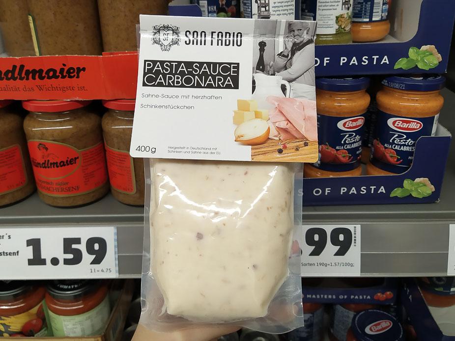 Pasta pronta nei supermercati tedeschi: carbonara con prosciutto e cipolla