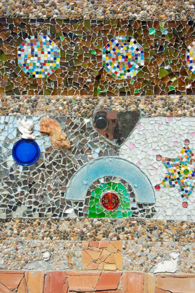 Dettaglio deo mosaici del semaforo dell'eremita nella riserva naturale di capo gallo